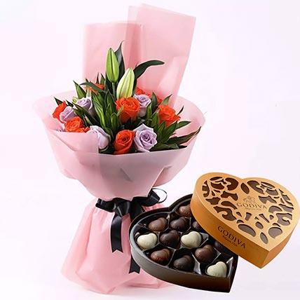 Elegant Flower Bouquet & Godiva Chocolates 500 gms