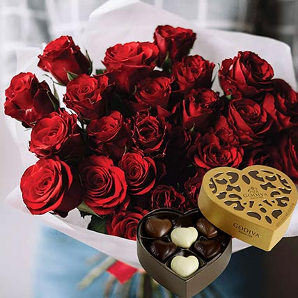 Vivid Red Roses Bunch & Godiva Chocolates 250 gms