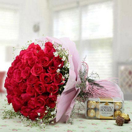 Pink Roses Bunch With Ferrero Rocher